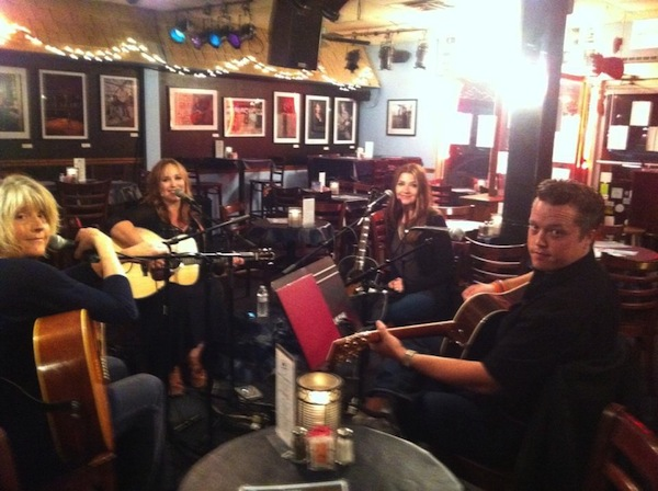 An outstanding writers' night at the Bluebird Cafe with Kim Richey, Jason Isbell & Matraca Berg September 2012