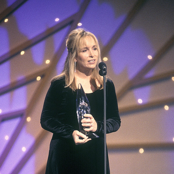 gretchen-peters-awards-1995-687x1024